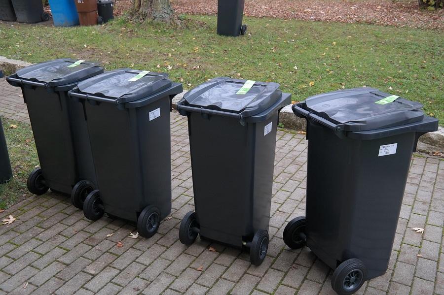 Sevilla combinará contenedores y cubos individuales para la recogida de residuos