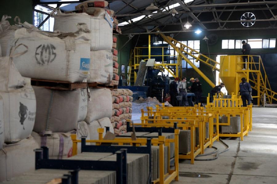 Una fábrica de baldosas a partir de residuos urbanos