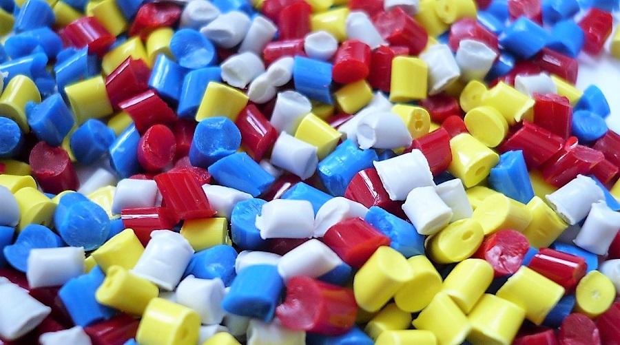 Encuesta sobre el uso del plástico reciclado en la industria
