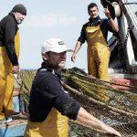 El proyecto 'Upcycling the Oceans' retira 113 toneladas de residuos del mar para reciclarlos como hilo de costura