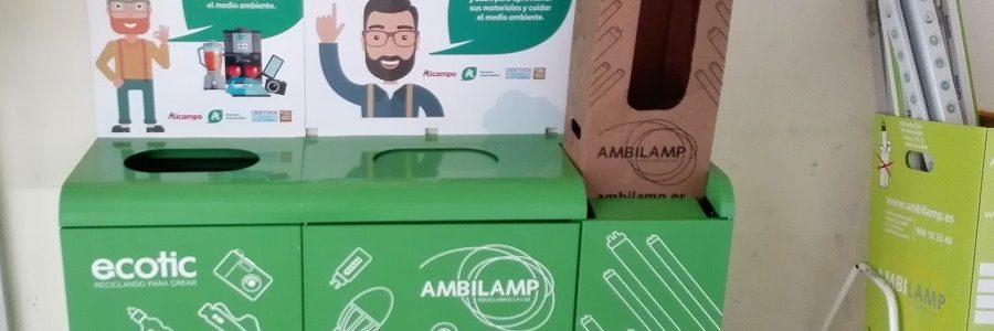 Auchan Retail España implanta contenedores de residuos electrónicos en sus supermercados