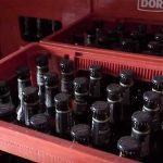 Compañía Cervecera sustituye las botellas de un solo uso por retornables en la isla de La Graciosa