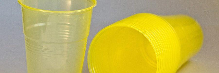 El Congreso insta al Gobierno a reducir los plásticos de un solo uso
