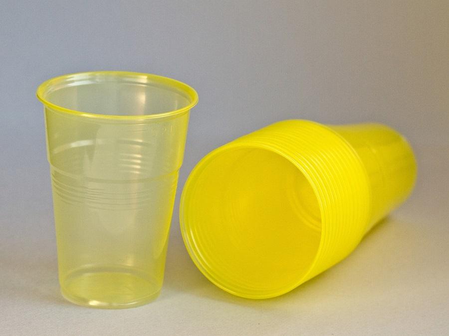 El Congreso pide al Ejecutivo reducir los objetos plásticos de un solo uso