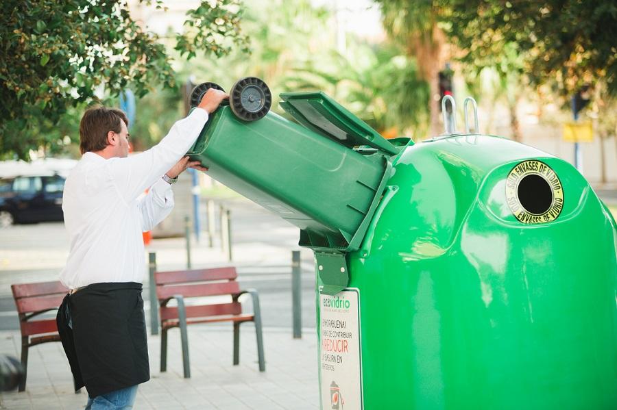 Aumenta el reciclaje de vidrio en localidades costeras este verano