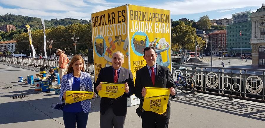 """Campaña """"Reciclar es lo nuestro"""" en Bilbao"""