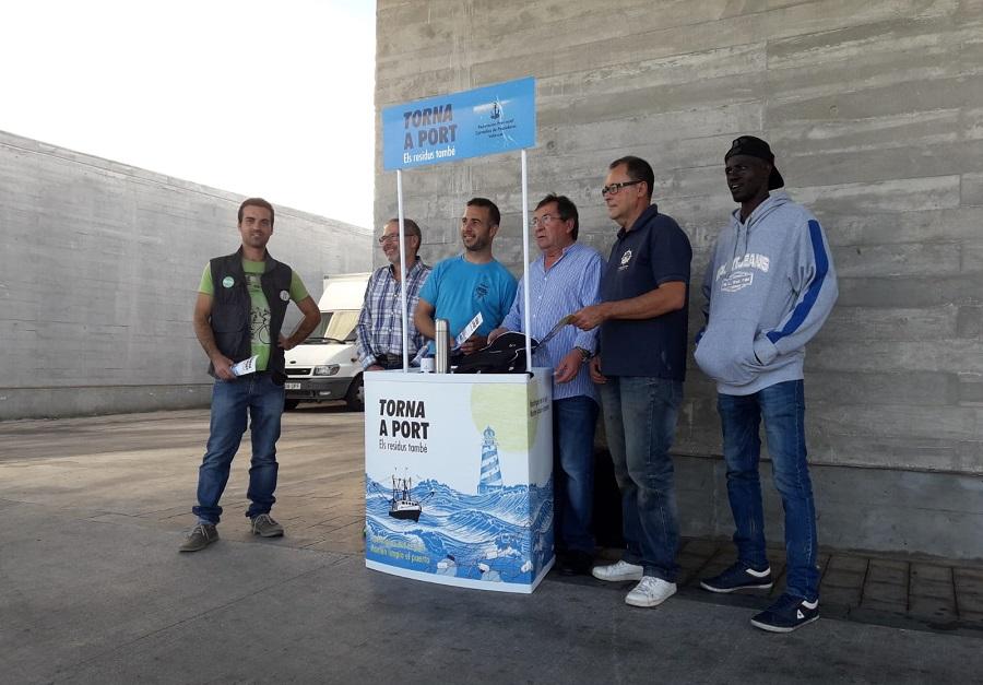 Campaña de recogida de residuos marinos en Valencia y Castellón