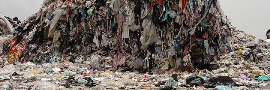 Más de 800.000 toneladas de residuos textiles terminan en los vertederos españoles