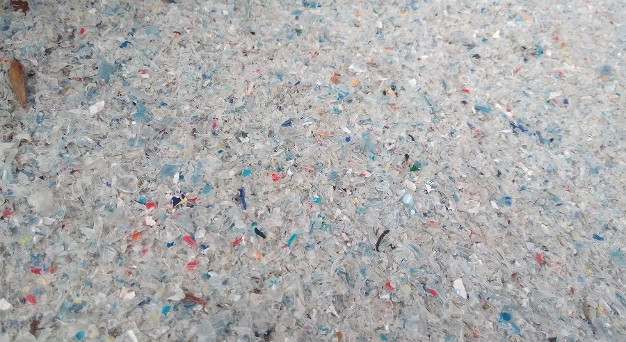 la UE reclama más esfuerzo para imulsar el mercado de plásticos reciclados