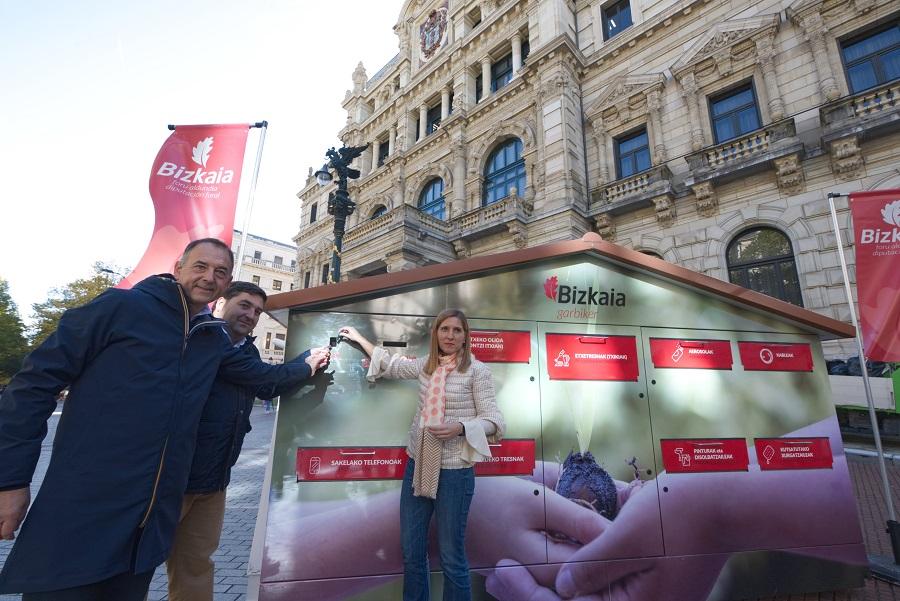 Nuevos puntos limpios móviles en los municipios de Bizkaia