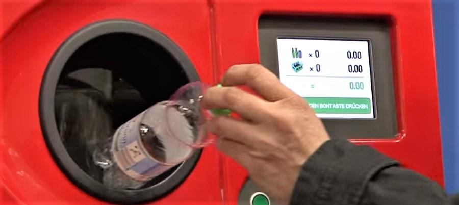 Susana Díaz apuesta por un sistema de depósito y retorno de envases para Andalucía