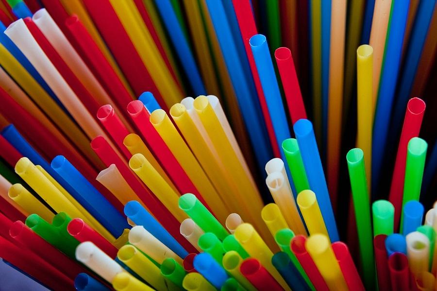 Perú prohíbe los plásticos de un solo uso
