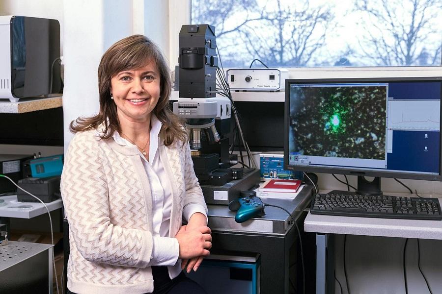 la Dra. Natalia Ivleva trabaja en la Universidad Técnica de Munich en la identificación y cuantificación de microplásticos