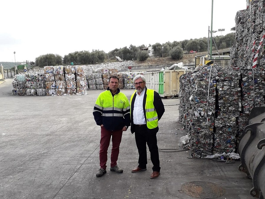 Visita del diputado de Medio Ambiente de Jaén a la planta de Ibros