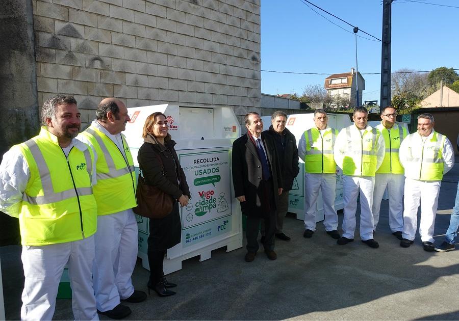 Nuevos contenedores de reciclaje de aceite y ropa en Vigo