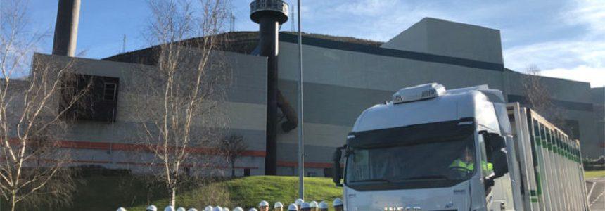 Zabalgarbi ensaya el transporte de residuos urbanos con camiones de gas natural
