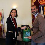 La ministra de Industria, Comercio y Turismo, Reyes Maroto, apoya el reciclaje de envases de vidrio