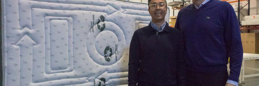 Una empresa valenciana crea el primer colchón fabricado íntegramente con materiales reciclados
