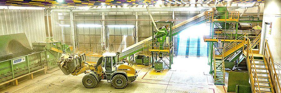 El Área Metropolitana de Barcelona asume la gestión de la planta de tratamiento de residuos voluminosos