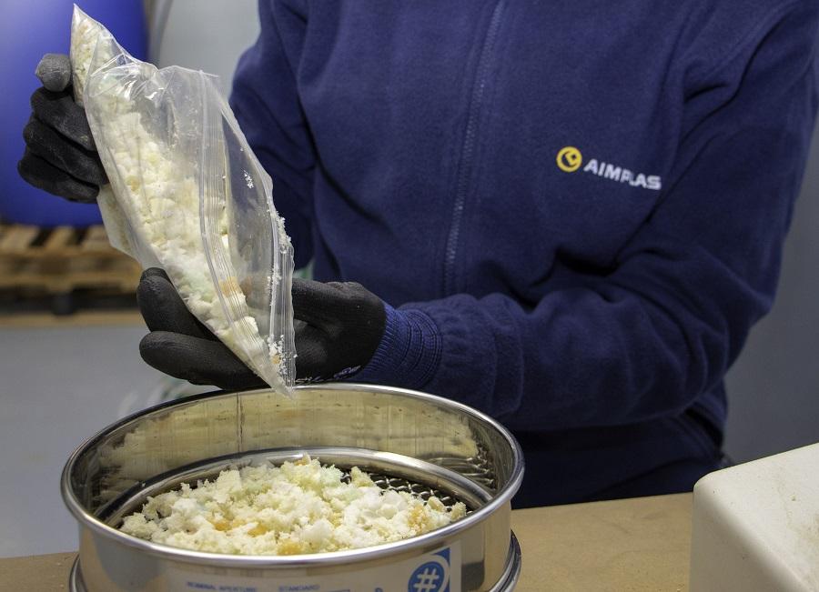 el proyecto FOAM2FOAM busca aprovechar los residuos de poliuretano mediante su reciclado químico