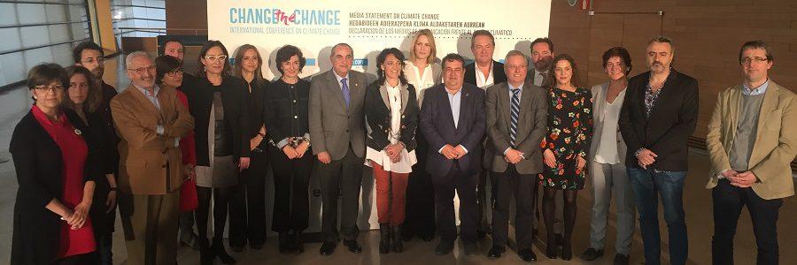 Más de 20 medios de comunicación firman un decálogo por el que se comprometen a informar sobre el cambio climático