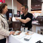 La campaña para el reciclaje de materia orgánica, en los mercados municipales de Madrid