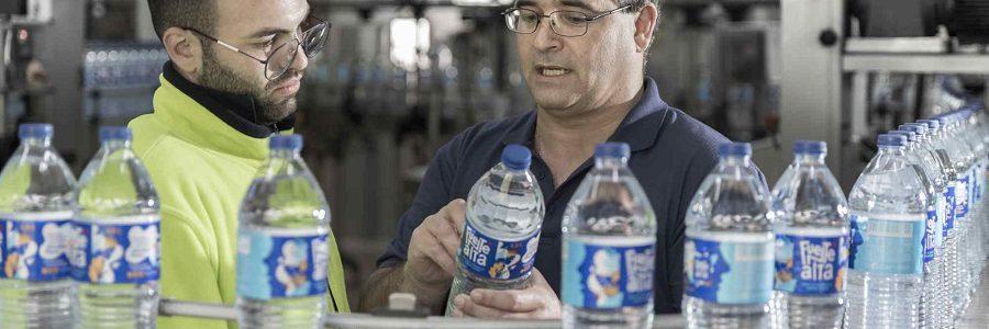 La marca de agua Fuentealta incorpora un 25% de PET reciclado en sus botellas