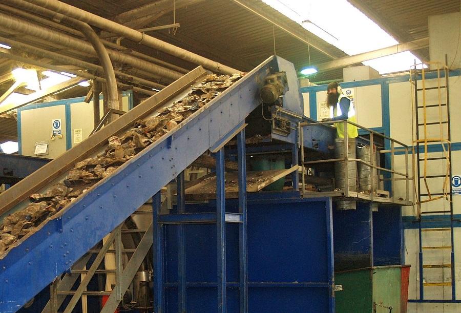 Operario planta reciclaje Andoain