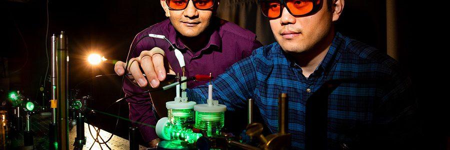 Un proceso de fotosíntesis artificial transforma el dióxido de carbono en combustibles líquidos
