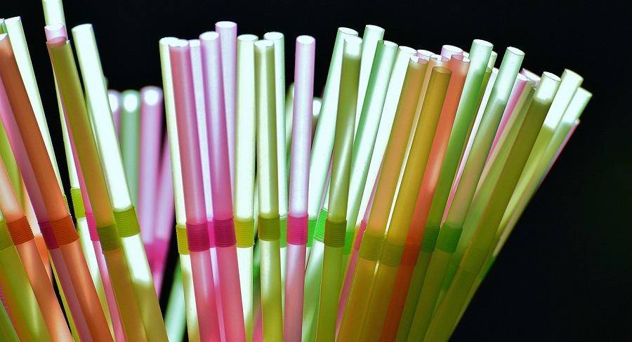 Paradores eliminará las pajitas de plástico