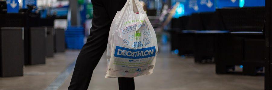 Decathlon también elimina las bolsas de plástico
