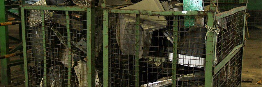 La CNMC recomienda mejorar la recogida de residuos electrónicos y más control de los gestores ilegales
