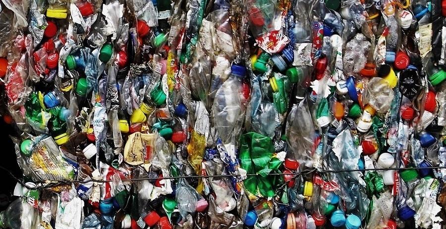 Buscan alternativas a los envases plásticos de un solo uso