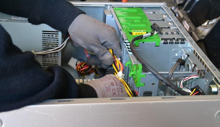 Recyclia y Revertia promueven la reutilización de aparatos electrónicos