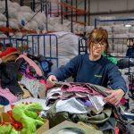 Humana recupera más de 8.000 toneladas de ropa usada en seis meses