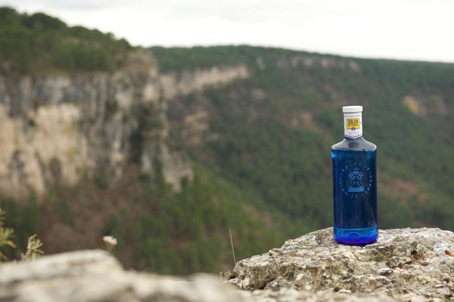 Mahou San Miguel se compromete a que sus envases de agua sean 100% reciclados