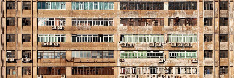 Cataluña destina un millón de euros en ayudas a la retirada de amianto de edificios