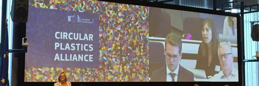 ONG califican de «hueca» la declaración de la Circular Plastics Alliance en favor del uso de plástico reciclado