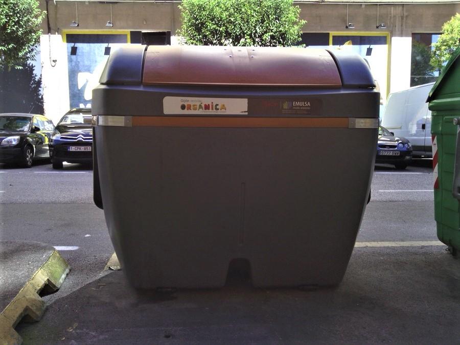 Contenedor de materia orgánica en Gijón