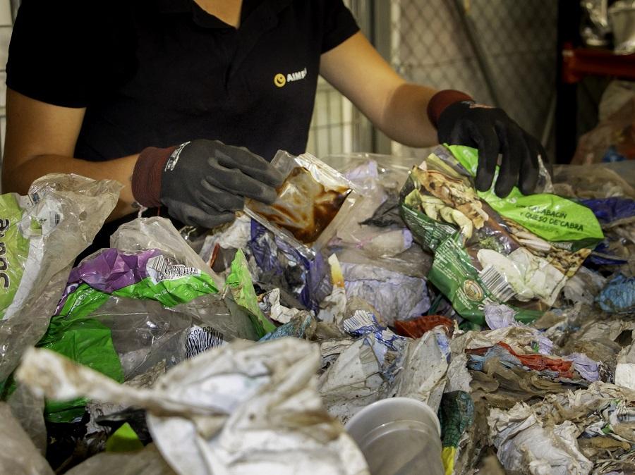 El proyecto RECIPAM aborda el reciclaje de envases multicapa de plástico