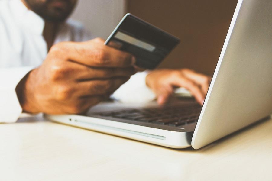 Los comercios online de aparatos electrónicos no cumplen con la normativa sobre gestión de residuos
