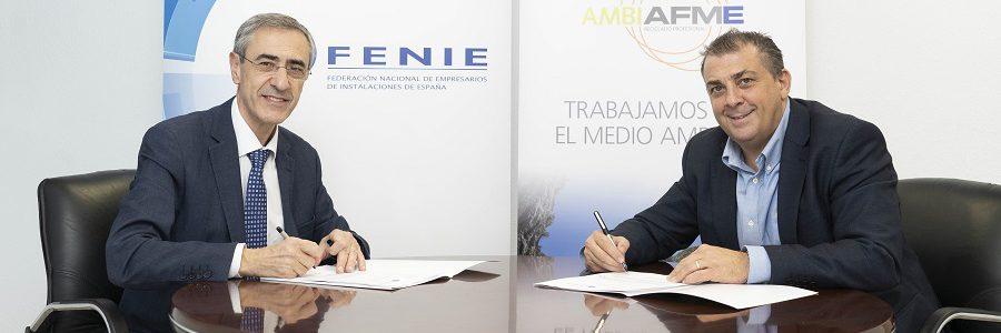 AMBILAMP y FENIE renuevan el convenio para fomentar el reciclaje de residuos eléctricos entre las empresas instaladoras