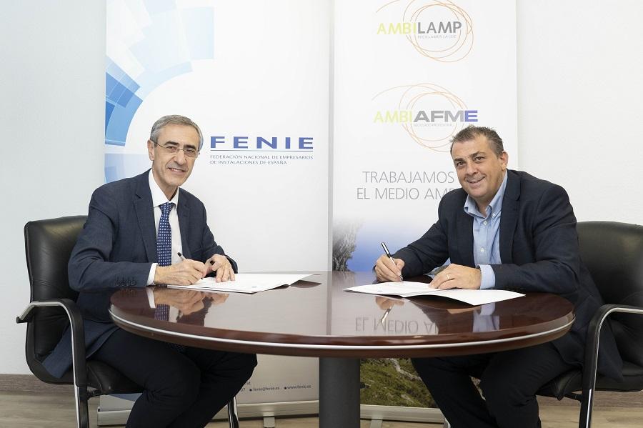 Renovación del convenio entre FENIE y AMBILAMP