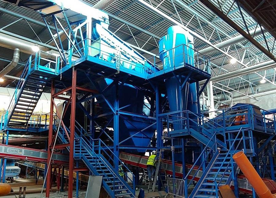 Nueva línea de reciclaje de vidrio en la planta de residuos del Maresme