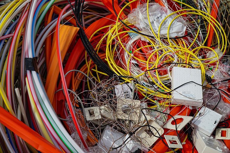 AMBIAFME cumple un año gestionando residuos de material eléctrico