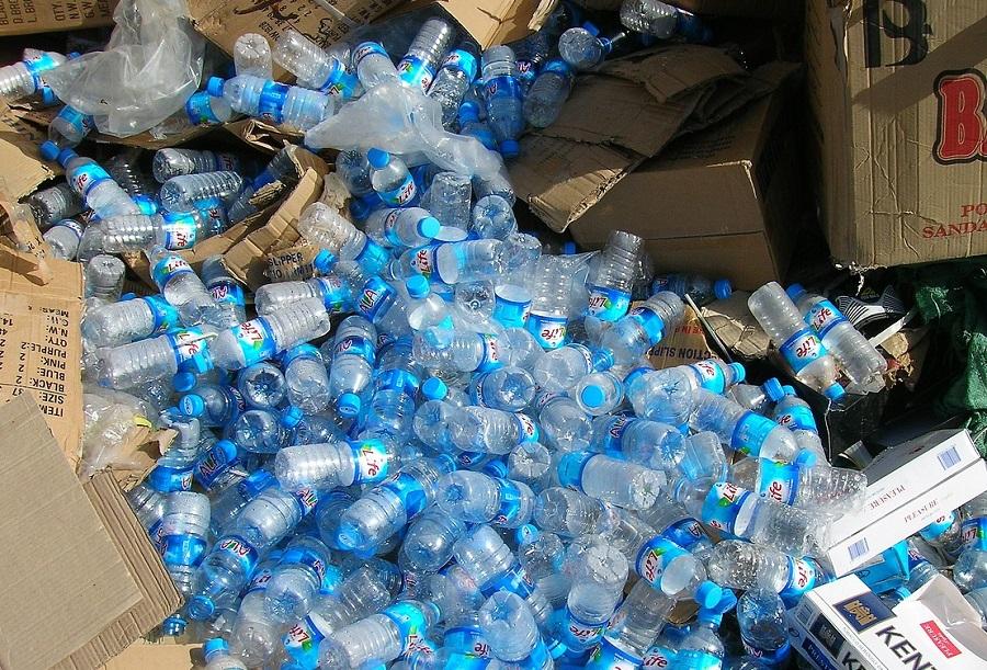 Europa contempla aplicar un impuesto a los residuos plásticos