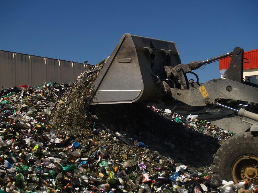 Tasas de reciclaje y vertido de residuos en España