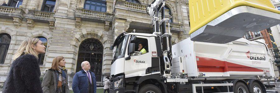 Bizkaia sustituye los contenedores amarillos por otros totalmente reciclables