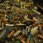 La aparición de 800 kg de pilas enterradas en un pueblo de Madrid indigna a los sistemas de gestión de estos residuos