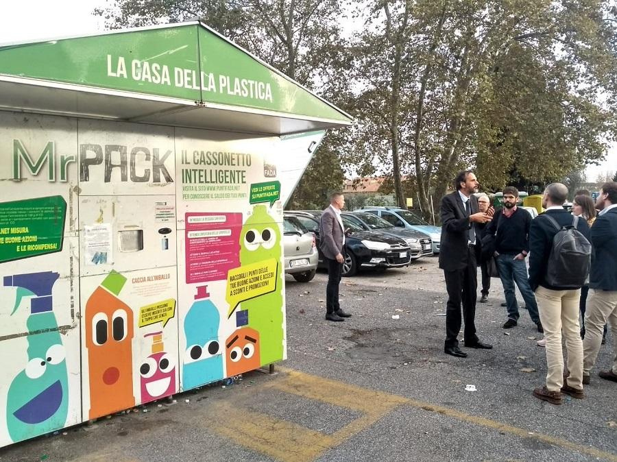 Máquina de reciclaje de plástico en Albano (Italia)